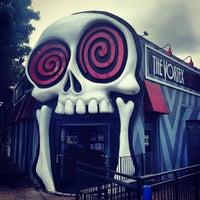 รูปภาพถ่ายที่ The Vortex Bar & Grill โดย Wally G. เมื่อ 5/7/2013