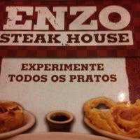 รูปภาพถ่ายที่ Enzo SteakHouse โดย João Marcos O. เมื่อ 9/30/2012