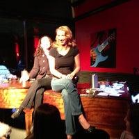 12/23/2012 tarihinde Angela H.ziyaretçi tarafından Red Sky Tapas & Bar'de çekilen fotoğraf