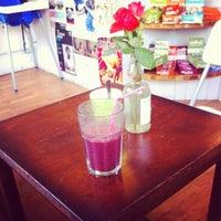 Photo prise au Healthy Stuff par James C. le10/20/2012