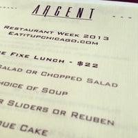 Das Foto wurde bei Argent Restaurant & Raw Bar von Jai M. am 2/7/2013 aufgenommen