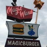 Photo prise au Magic Wand par Tina B. le7/1/2013