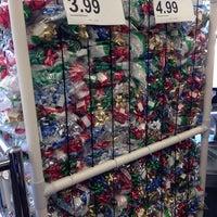 Foto diambil di Walgreens oleh Leigh H. pada 9/27/2014