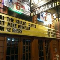 Photo prise au Nick's Beer Garden par Vernon le8/3/2013
