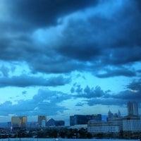 รูปภาพถ่ายที่ Hard Rock Hotel Las Vegas โดย Emmanuel A. เมื่อ 7/7/2013