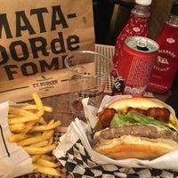 Foto tirada no(a) T.T. Burger por Guto S. em 7/31/2018