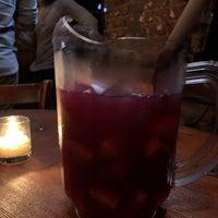 Foto tirada no(a) Kaña Tapas Bar & Restaurant por Z G. em 11/28/2018