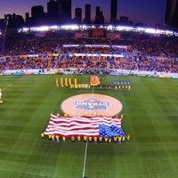 รูปภาพถ่ายที่ BBVA Compass Stadium โดย Aaron E. เมื่อ 7/28/2013