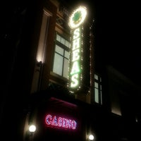 Foto scattata a O'Shea's Pub da Samira T. il 2/15/2014