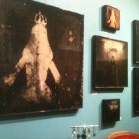 Photo prise au Ghost Gallery par Jen E. le12/14/2012