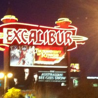 รูปภาพถ่ายที่ Excalibur Hotel & Casino โดย Marcela Q. เมื่อ 2/18/2013