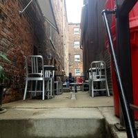 Снимок сделан в Bottom Line Coffee House пользователем Dustin B. 10/5/2013