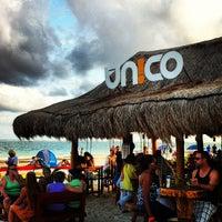 Foto tirada no(a) Único Beach por Laura N. em 1/27/2013