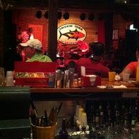 5/27/2013 tarihinde Cheryl L.ziyaretçi tarafından Smokin' Tuna Saloon'de çekilen fotoğraf