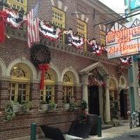 Das Foto wurde bei McGillin's Olde Ale House von Bethany C. am 11/24/2012 aufgenommen