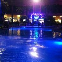 Das Foto wurde bei The Pool After Dark von Sarah B. am 11/18/2012 aufgenommen