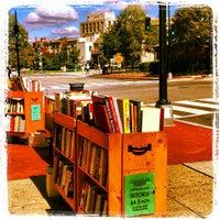Das Foto wurde bei Second Story Books von Isa L. am 9/29/2012 aufgenommen