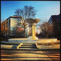 Снимок сделан в Dupont Circle пользователем Isa L. 2/20/2013