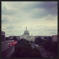 Das Foto wurde bei Newseum von Isa L. am 6/19/2013 aufgenommen