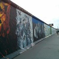 Foto tomada en East Side Gallery por Rodrigo S. el 4/23/2013