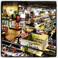Das Foto wurde bei Whole Foods Market von Clotildes M. am 10/11/2012 aufgenommen