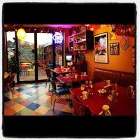 11/27/2012에 Jon Y.님이 Kitsch'n on Roscoe에서 찍은 사진