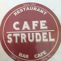 Foto tomada en Cafe Strudel por Kimmee A. el 10/2/2012