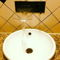 Foto tomada en Cafe Strudel por Kimmee A. el 10/12/2012
