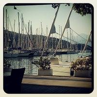 Foto tomada en Mod Yacht Lounge por Oksana S. el 6/22/2013