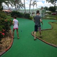 Foto scattata a 76 Golf World da Catherine M. il 7/2/2014