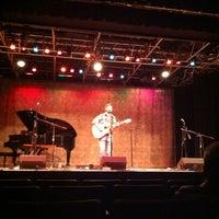 11/6/2012 tarihinde Stacy T.ziyaretçi tarafından Eddie Owen Presents at Red Clay Theatre'de çekilen fotoğraf