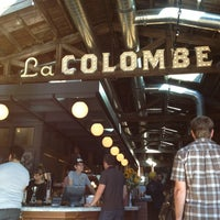Photo prise au La Colombe Coffee Roasters par Elizabeth E. le9/27/2014