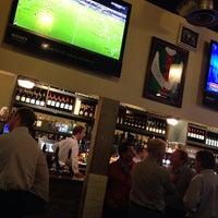 10/17/2013にSimon B.がSports Bar & Grillで撮った写真
