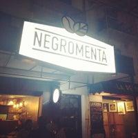 Das Foto wurde bei NegroMenta Café von césar c. am 7/31/2015 aufgenommen