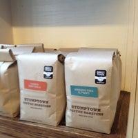 Das Foto wurde bei Spring For Coffee von Thirsty J. am 11/23/2012 aufgenommen