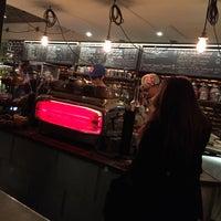Foto tomada en Ground Central Coffee Company por Donna el 10/23/2014