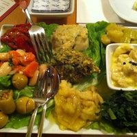 Foto tomada en Sıdıka Meze Restoranı por Neslihan ® el 2/22/2013