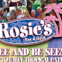 Photo prise au Rosie's Bar & Grill par Dyannah C. le10/16/2012