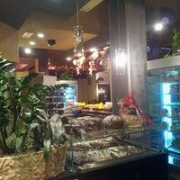 Снимок сделан в Elite Cafe' пользователем Elio P. 1/1/2013
