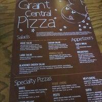 รูปภาพถ่ายที่ Grant Central Pizza & Pasta โดย Ricky L. เมื่อ 4/7/2013