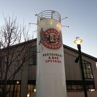 1/18/2013 tarihinde Cheyenne R.ziyaretçi tarafından Boudin Bakery Café Baker's Hall'de çekilen fotoğraf