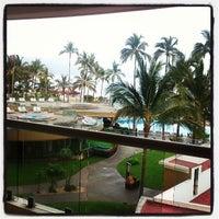 Foto tomada en Sunset Plaza Beach Resort & Spa por Andres O. el 6/5/2013