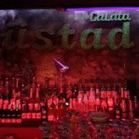 Foto scattata a Galata Ustad Cafe&Bar da Gülin K. il 1/11/2013