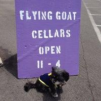 7/27/2014 tarihinde Katrinziyaretçi tarafından Flying Goat Cellars Tasting Room'de çekilen fotoğraf