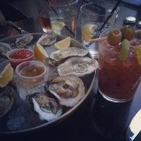 รูปภาพถ่ายที่ Harry's Oyster Bar & Seafood โดย Anissa เมื่อ 7/3/2013