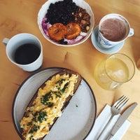 Foto scattata a Mikyna Coffee & Food Point da Hana K. il 8/25/2018