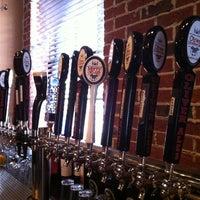 Das Foto wurde bei Pratt Street Ale House von Gina M. am 12/16/2012 aufgenommen