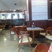 Foto tomada en Café Ágora por Javier B. el 8/5/2013