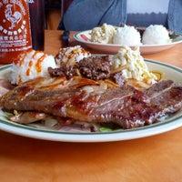 Das Foto wurde bei Waikikie Hawaiian BBQ von Sam am 2/16/2013 aufgenommen