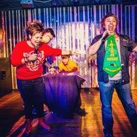 Foto tirada no(a) PLAY Bar & Club por Jill-Marie T. em 2/8/2014